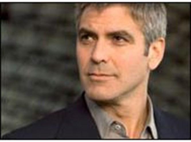 Clooney politikaya ısınıyor